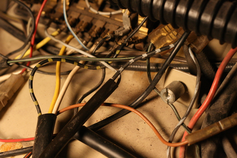 1969 Vw Bug Fuse Box | Wiring Diagram Vw Beetle Fuse Box Wiring on vw touareg fuse box, mazda rx8 fuse box, super beetle fuse box, vw beetle fuse block, 2000 beetle fuse box, vw eos fuse box, 73 beetle fuse box, 98 jetta fuse box, toyota supra fuse box, porsche 944 fuse box, honda s2000 fuse box, vw fuse box diagram, vw thing fuse box, ford contour fuse box, toyota rav4 fuse box, 2004 beetle fuse box, peugeot 106 fuse box, vw beetle headlight fuse, 1968 vw bug fuse box, 2008 yaris fuse box,